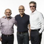 Shantanu Narayen, CEO, Adobe (izquierda), Satya Nadella, CEO of Microsoft (centro), and Bill McDermott, CEO of SAP (derecha), presentaron la Iniciativa Open Data durante la conferencia Microsoft Ignite.
